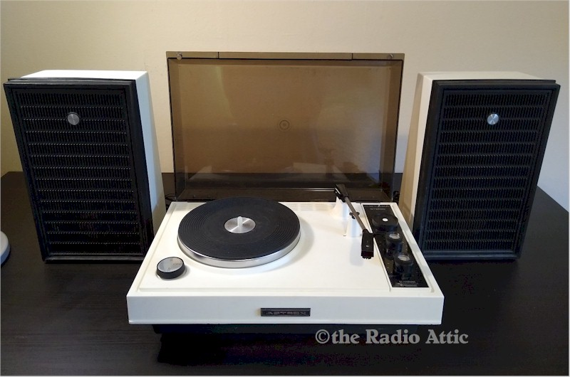 Astrex SP-100-WD-1 Stereo Turntable Set (~1980)