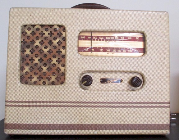 Majestic 421-D Tolex Portable