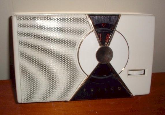 Philco T7-126 Transistor (1955)