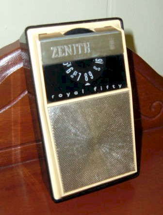 Zenith Royal 50L Pocket Radio (1962)