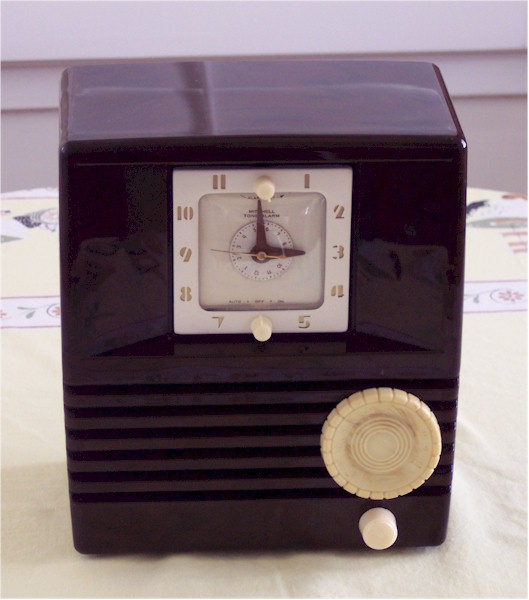 Mitchell 1268R Clock Radio (1951)