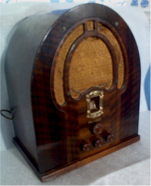 Philco 89 Cathedral (1934)