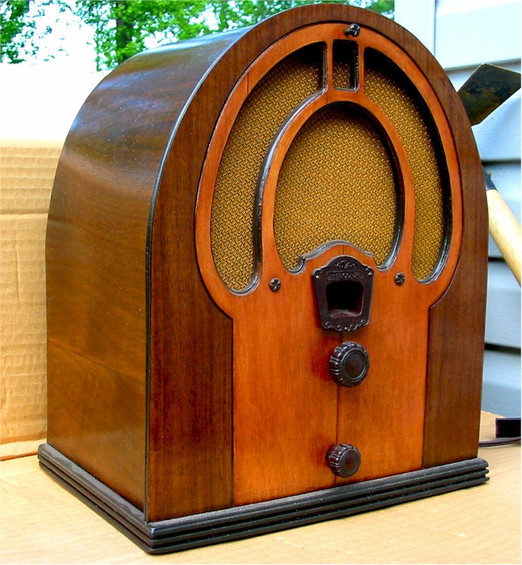 "Philco 80 ""Junior"" Cathedral (1932)"