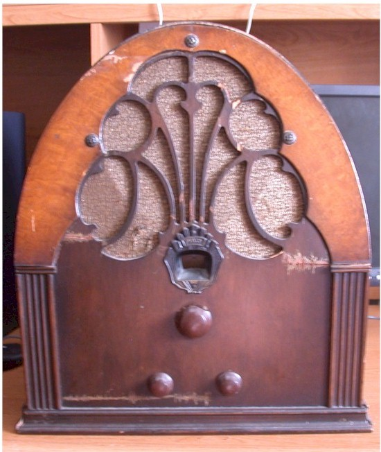 Philco 20 Cathedral