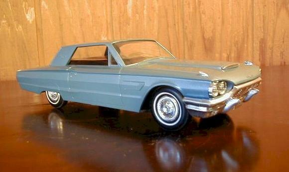 Ford 1965 Thunderbird Radio by Philco