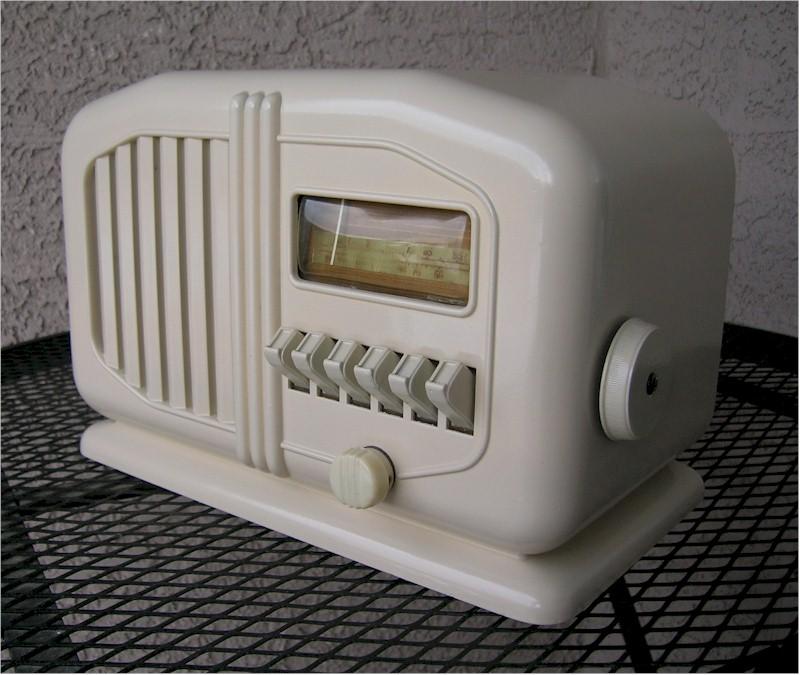 Truetone D-1011 (1939)