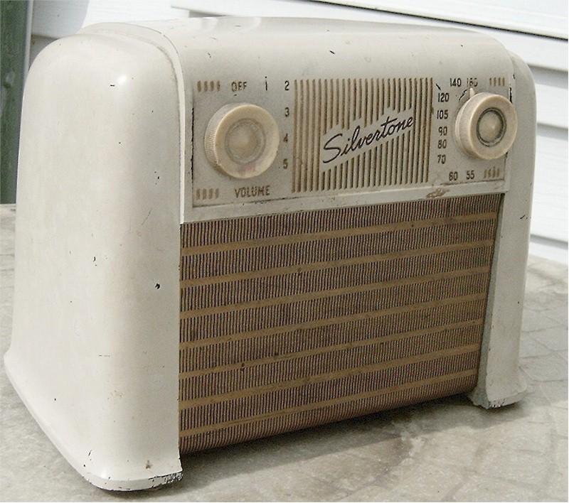 Silvertone 8000 Midget (1946)