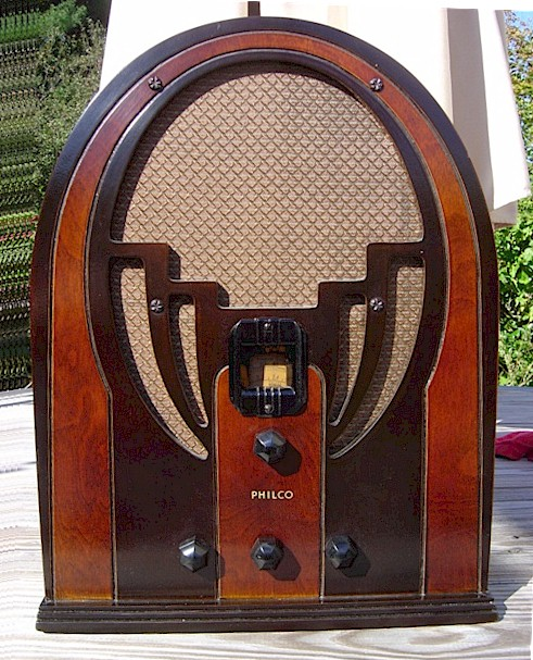 Philco 60 Cathedral