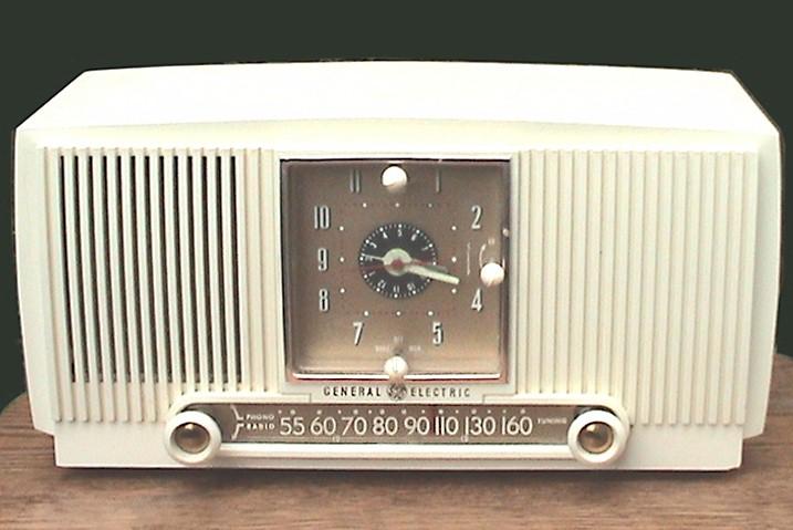 General Electric 547PH Clock Radio (1954)
