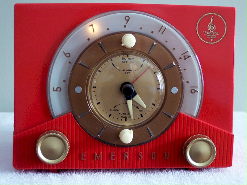 Emerson 724B Clock Radio (1953)