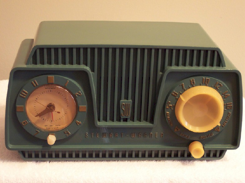 Stewart-Warner 9186B Clock Radio (1954)
