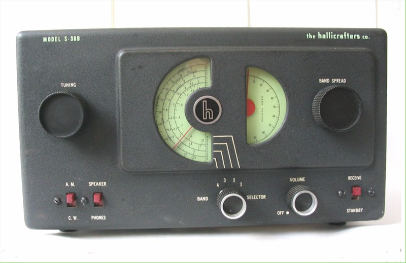 Hallicrafters S-38B Communications Receiver (1950)