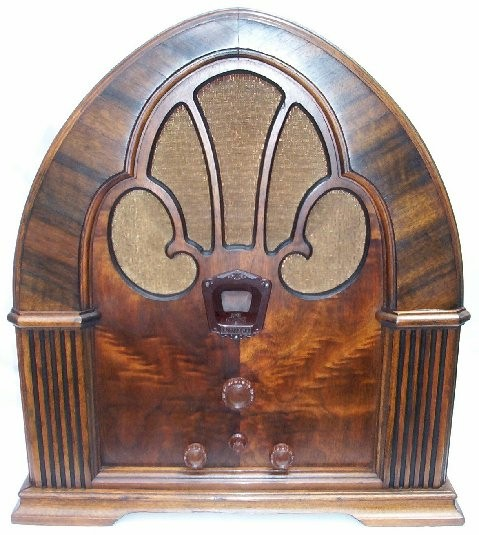 Philco 90 Cathedral (1931)