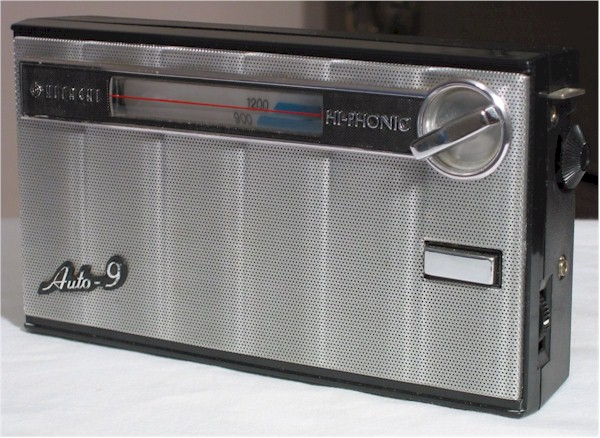"Hitachi TH-900 ""Hi-Phonic"" (1965)"
