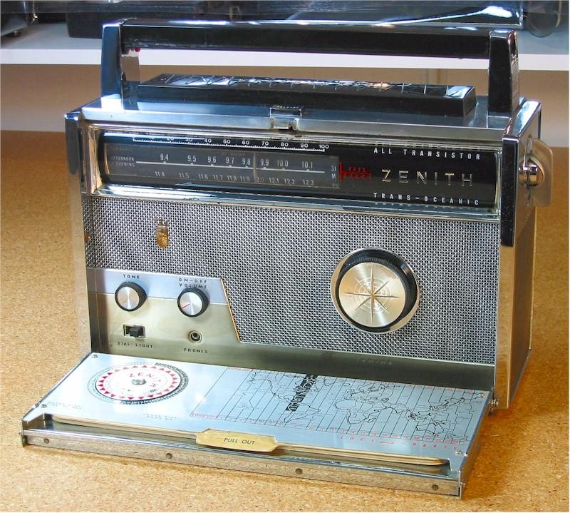 Zenith Royal 1000 Multiband Portable (1957)