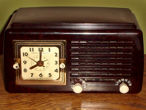 General Electric 50 Clock Radio (1948)