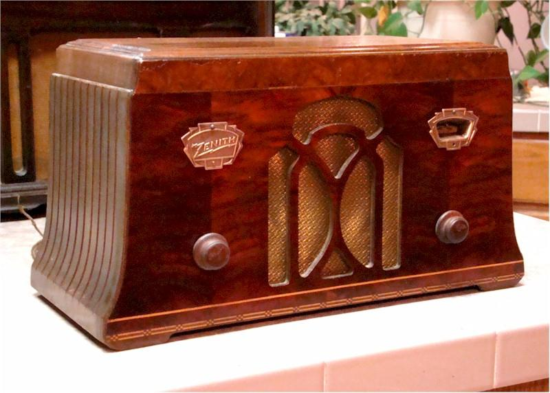 Zenith 705 Mantle Radio (1933)