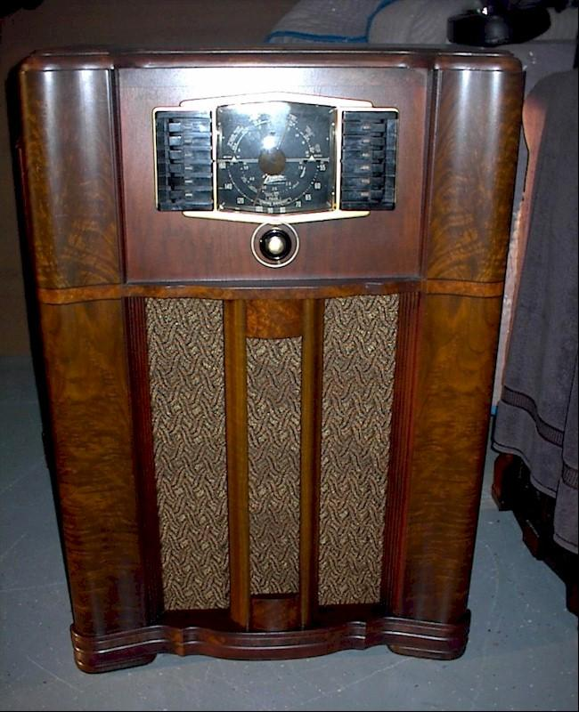 Zenith 10-S-669 Console (1942)