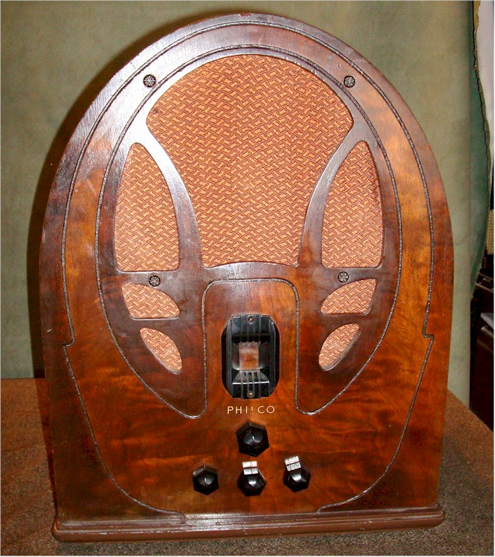 Philco 89 Cathedral (1932)