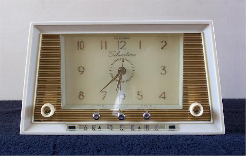 Silvertone 6021 Clock Radio (1956)