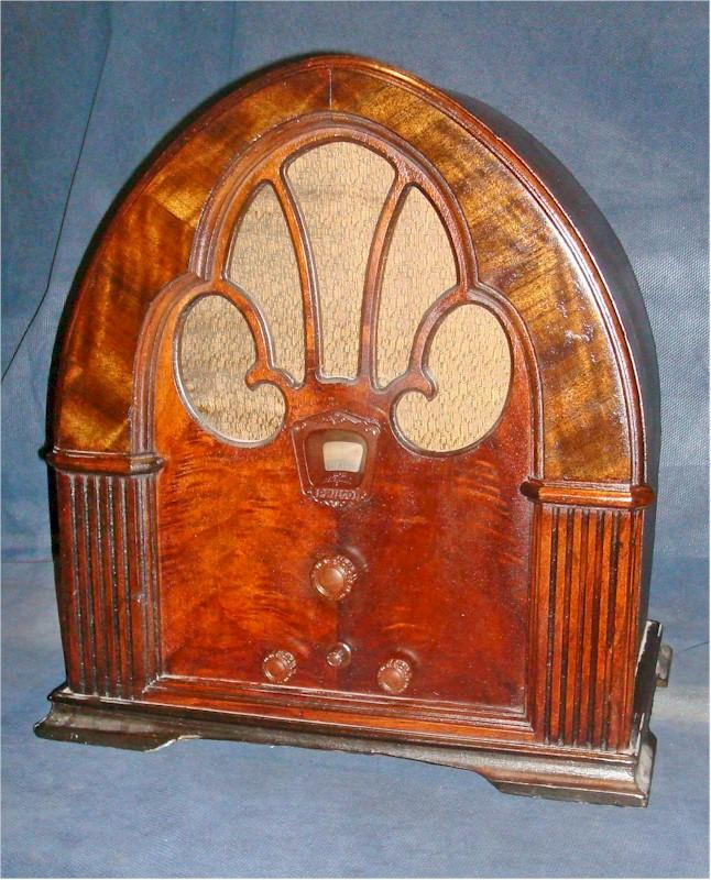 Philco 90C Cathedral (1931)