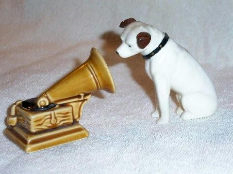"Nipper & Victrola ""His Masters Voice"" Salt & Pepper Shakers"