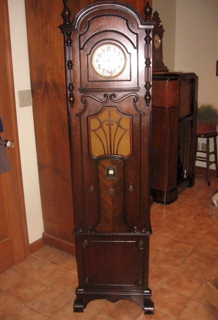 Majestic 20 Grandfather Clock Radio Sold Item Number