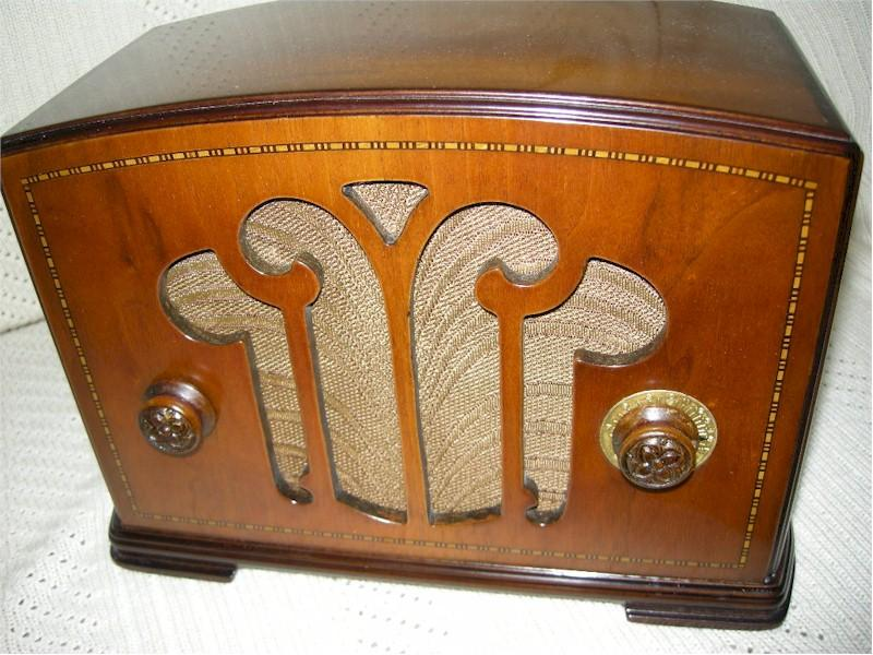 Colonial Mantle Radio