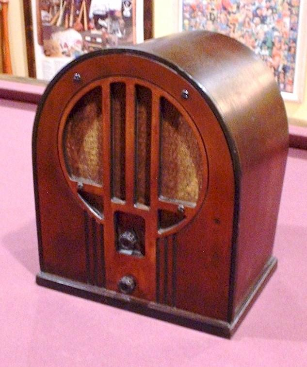 Philco 84 Cathedral