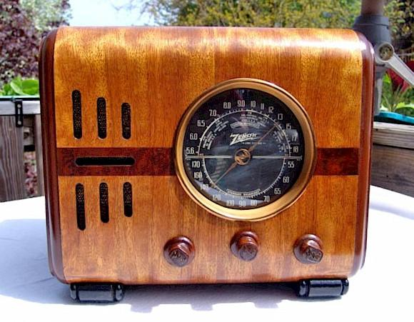 "Zenith 5-S-218 ""Cube"" (1938)"