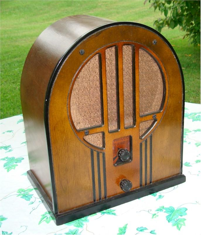 Philco 84-B Cathedral (1934)