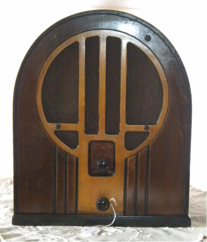 Philco 84B Cathedral (1933)