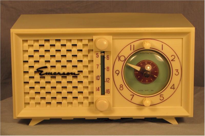 Emerson 695-B Clock Radio (1950s)