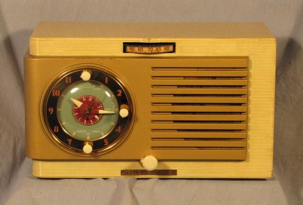 General Electric 508 Clock Radio (1950?)