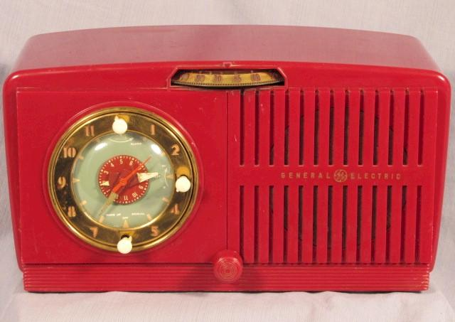 General Electric 515 Clock Radio (mid-1950s)