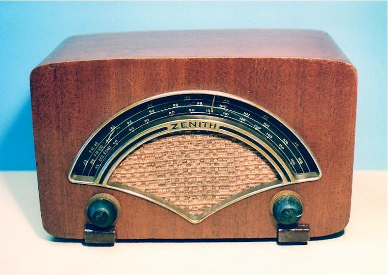 Zenith 8H034 AM+2FM (1946)