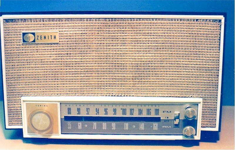 Zenith K725C AM-FM (1963)