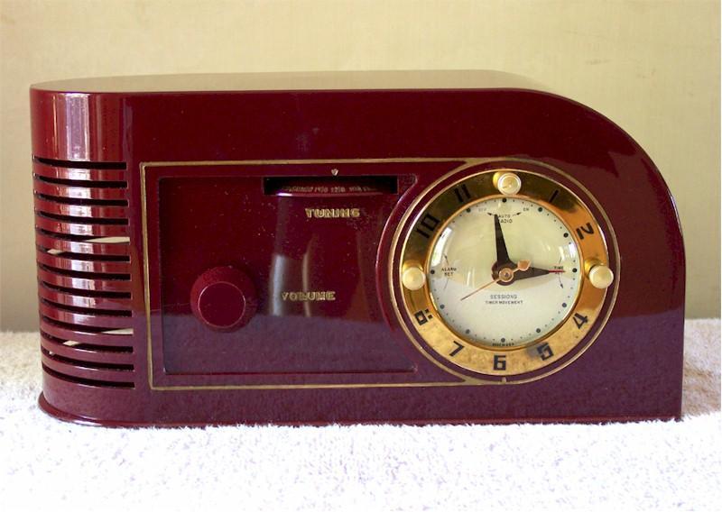 Continental 1600 Clock Radio (1948)