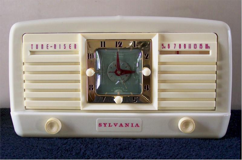 "Sylvania 540HA ""Tune-Riser"" Clock Radio (1951)"