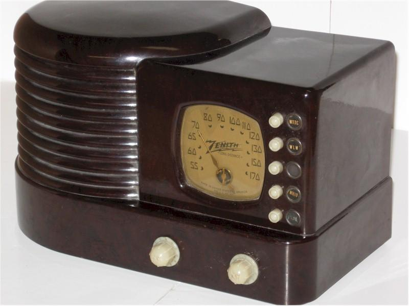 "Zenith 6-D-312 ""Stack of Records"" (1938)"
