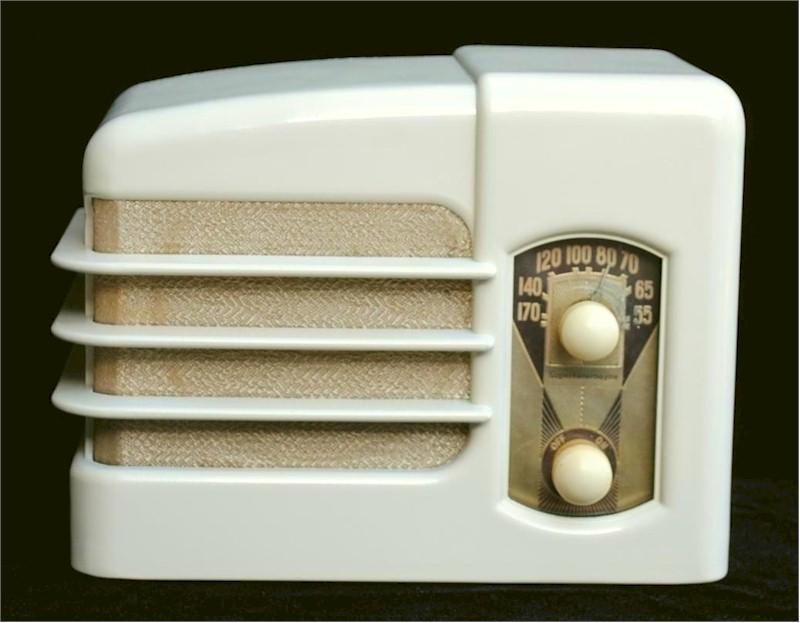 Wells-Gardner Radio