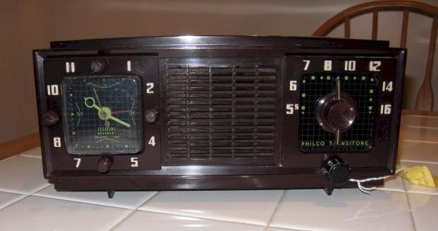 Philco B711 Transitone Clock Radio (1953)
