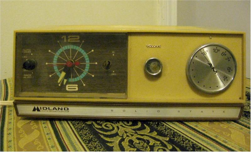 Midland International Clock Radio