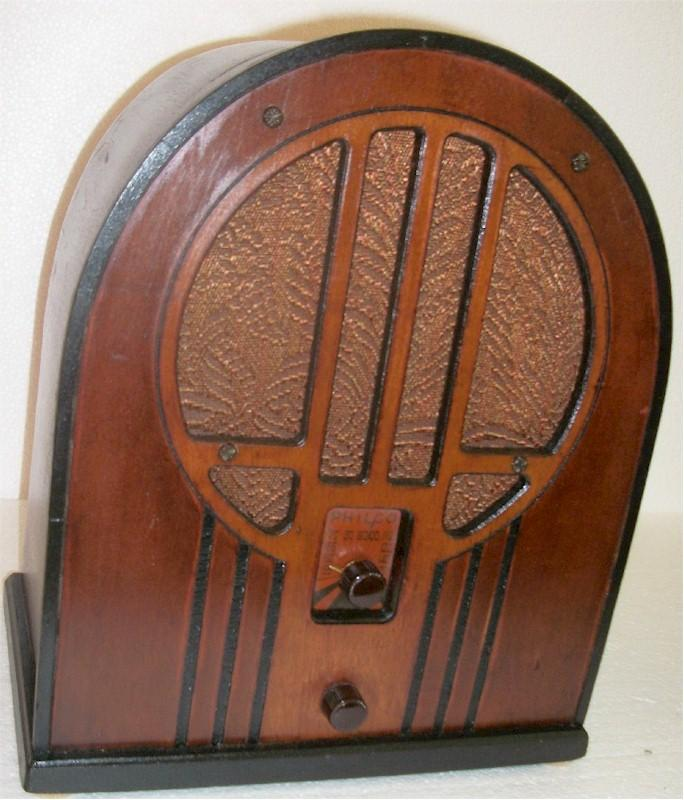 Philco 84B Cathedral (1934)