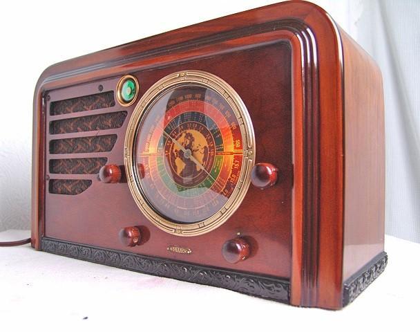 Monarch Radio by Detrola (1937)