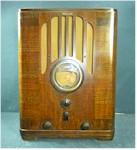 Philco 37-670B Tombstone (1937)