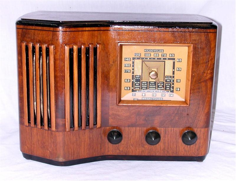 Emerson CS-272 Ingraham Cabinet (1939)