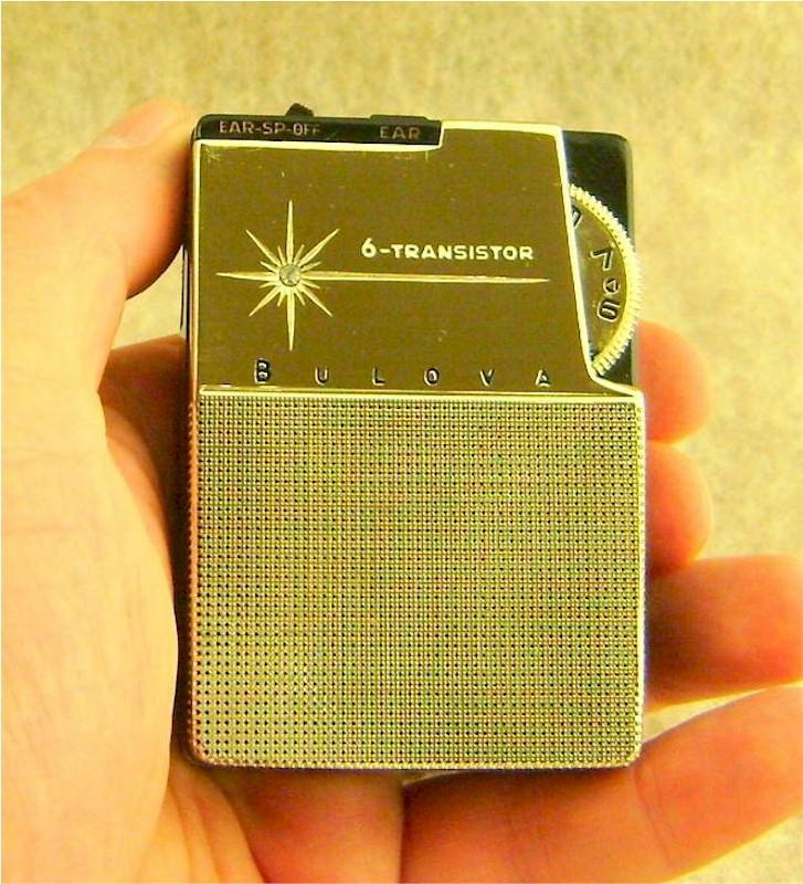 Bulova 672 Pocket Transistor (1962)