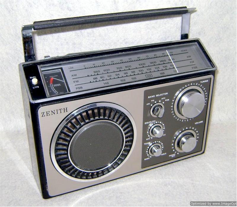 Zenith R84 AM/FM/PSB (1970s)
