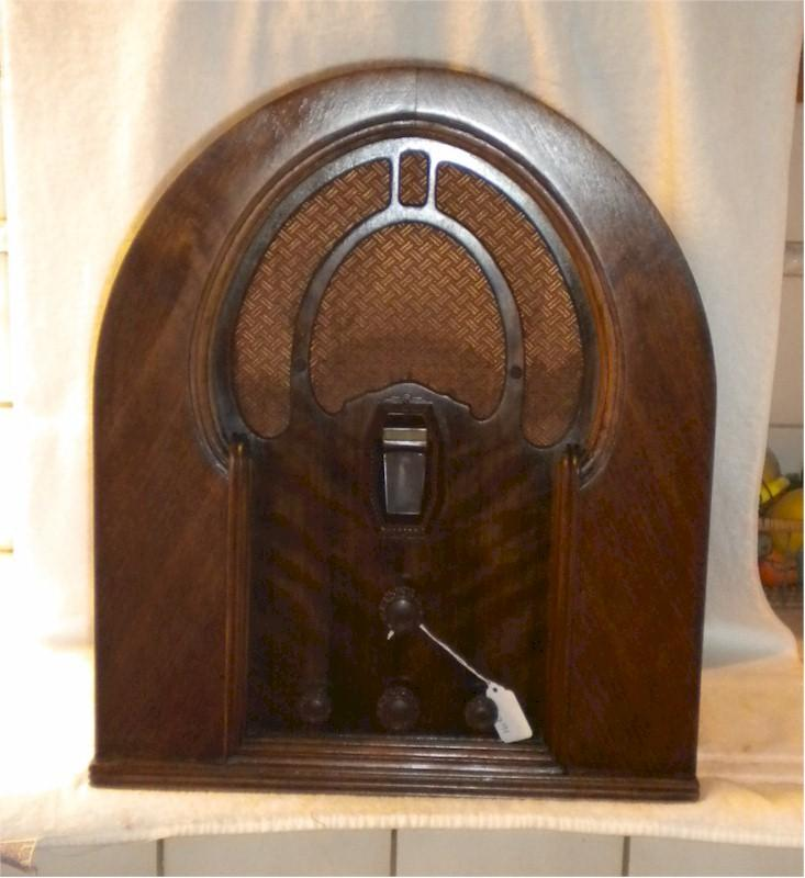 Philco 16B Cathedral